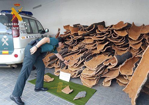 guardia-civil-recupera-mas-700-kilos-corcho-sustraidos