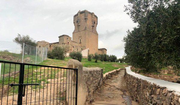 la-junta-invierte-en-las-obras-del-recinto-amurallado-del-castillo-de-belalcazar