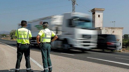investigado-vecino-penarroya-no-respetar-un-stop-provocar-accidente-tres-heridos-graves
