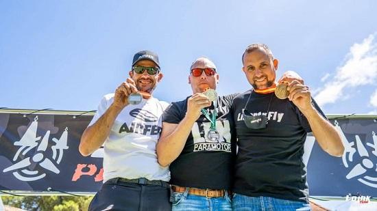 dos-medallas-para-el-belmezano-agustin-len-open-internacional-campeonato-espana-paramotor