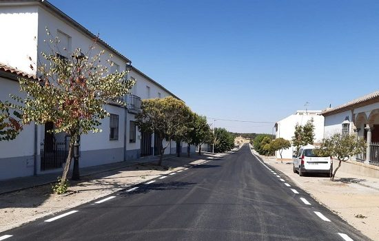 la-junta-invierte-mas-40000-euros-mejora-firme-de-la-carretera-a-435-pedroche