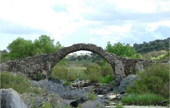 el-puente-pellejero-de-belalcazar-incorporado-lista-roja-del-patrimonio